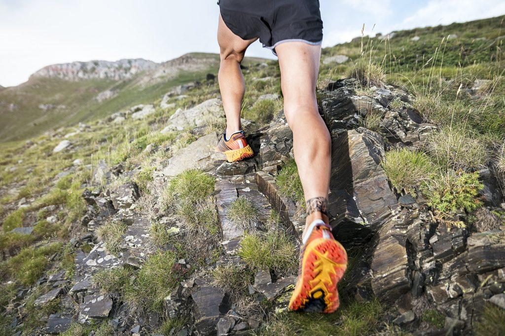 Løper i fjellet